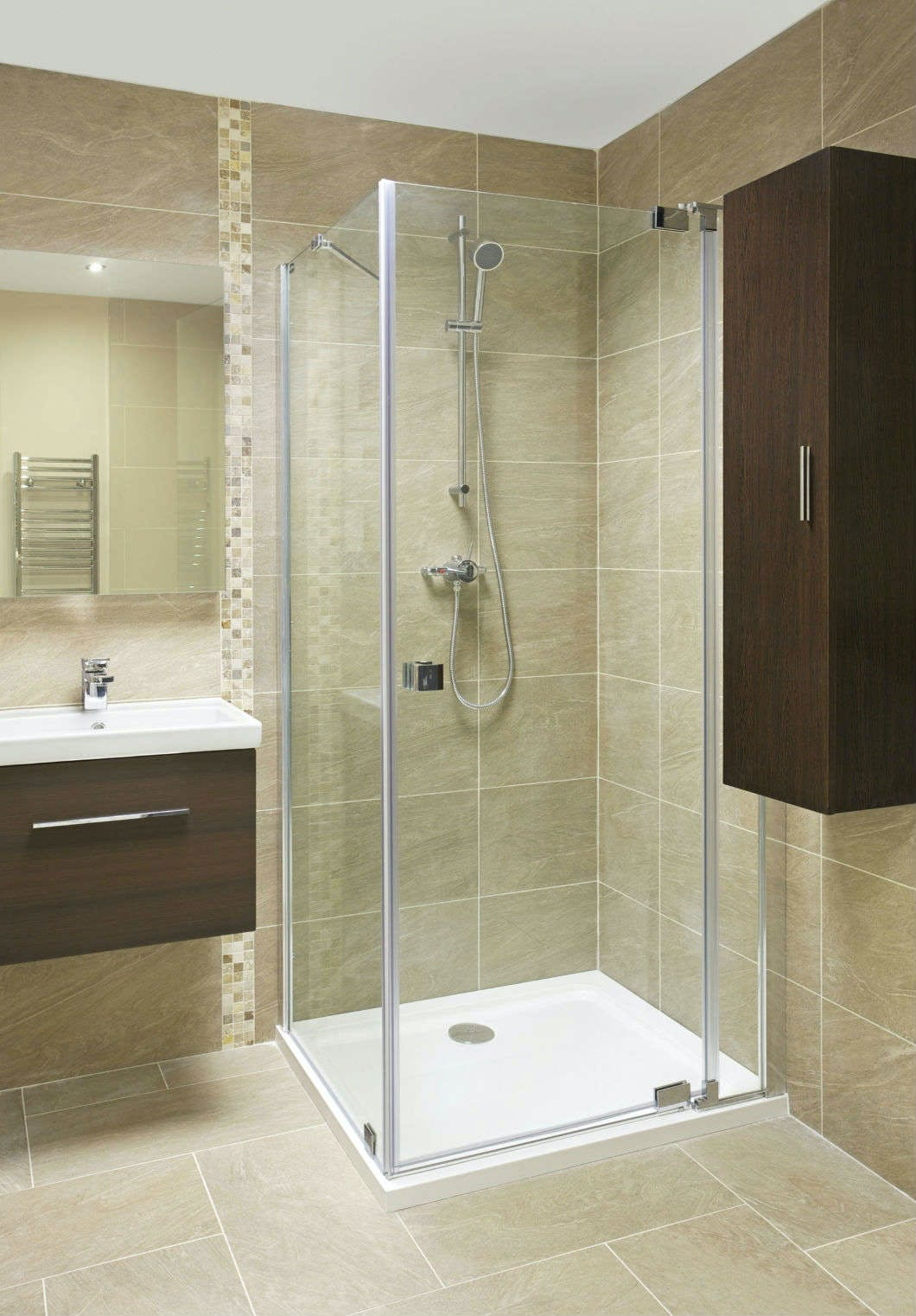 At More Bathrooms you'll discover a stunning range of corner shower enclosures, quadrant shower enclosures and square shower enclosures.