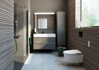 Shower room with bidet toilet