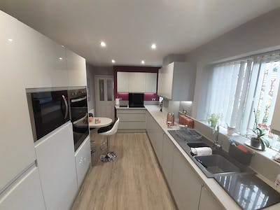 Linear Kitchen Case study | Leeds| West Yorkshire