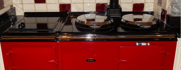 A clean oven and hob