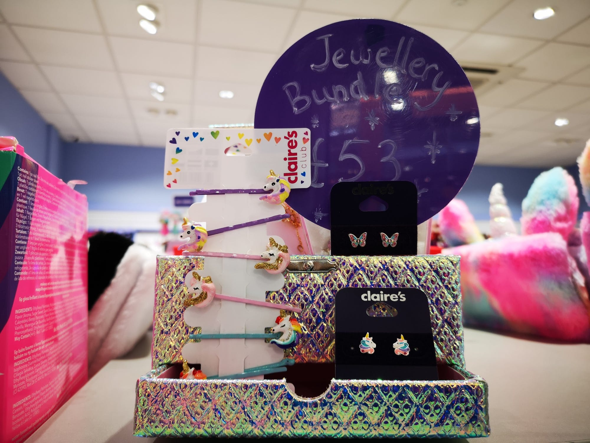 Claire has done it again! Mega bundle jewellery box, jewellery and more for £53.