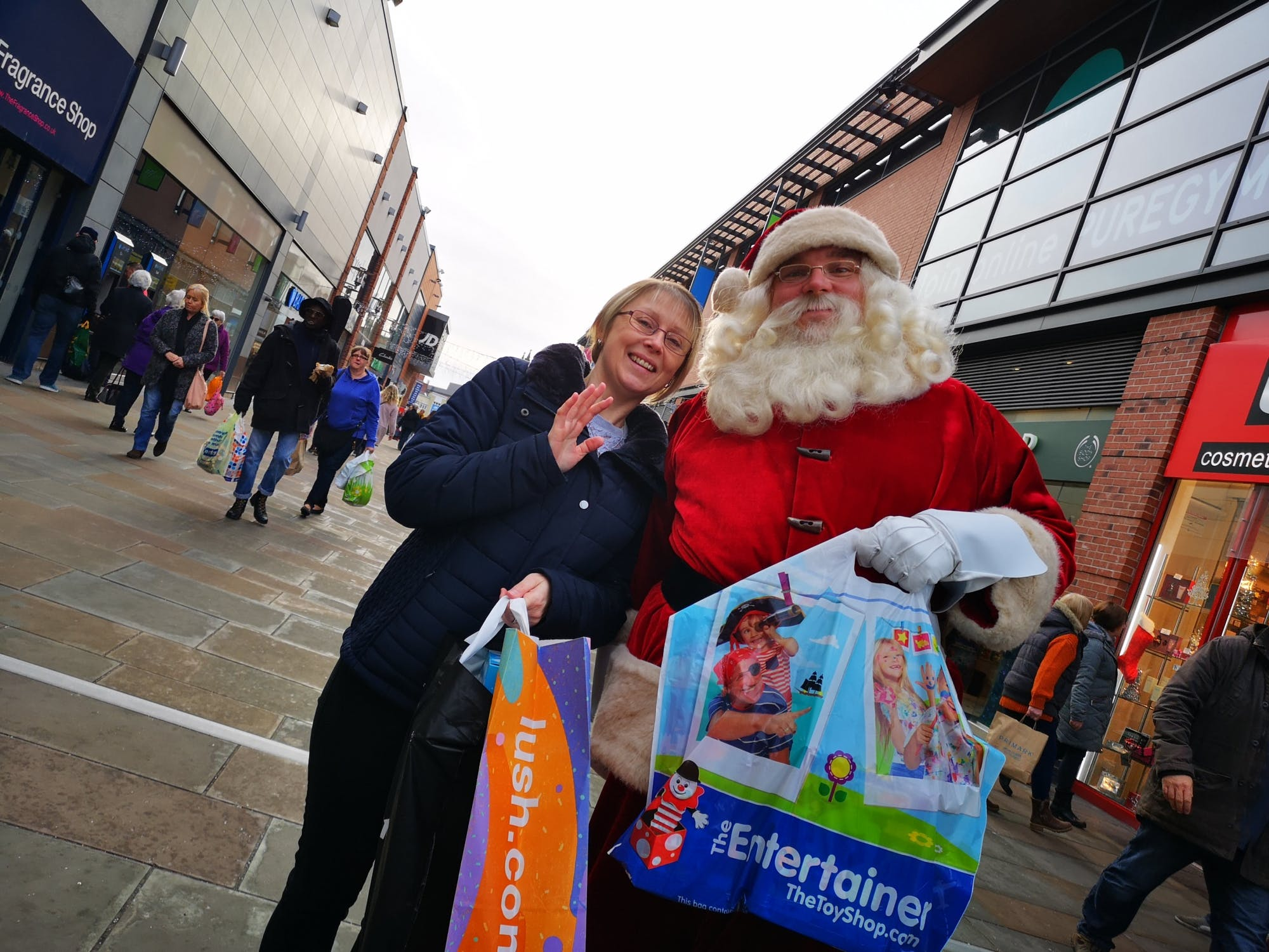 Santa Cash shopping trip and winner