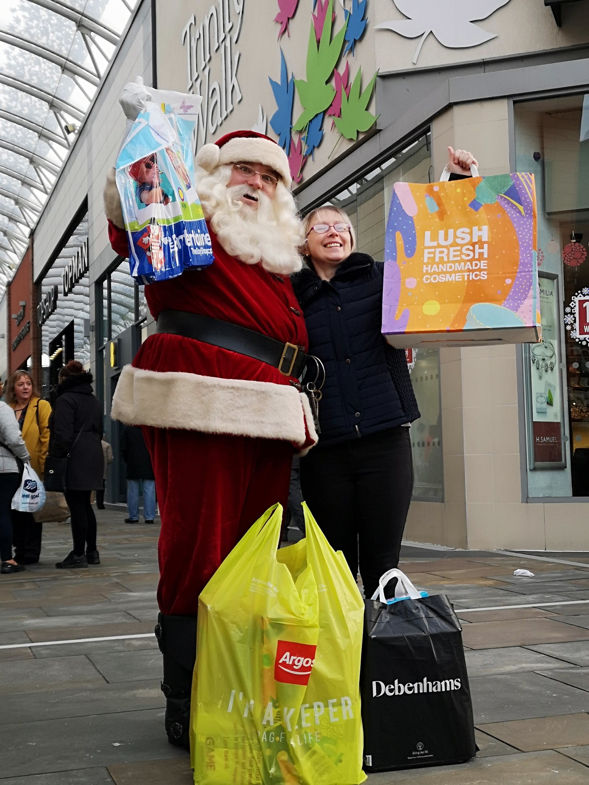 Another Santa Cash shopping trip and winner