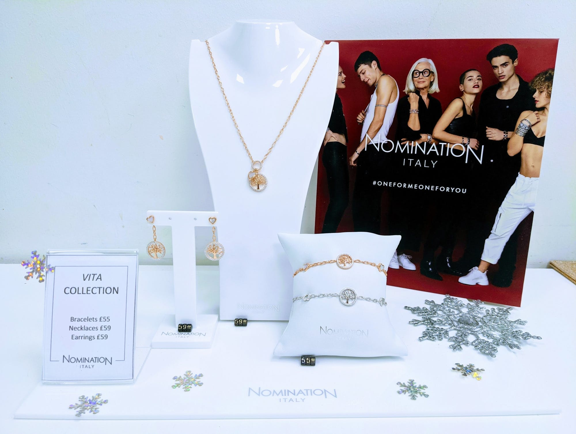 Trending this Christmas at Nomination is the Vita necklace with Mother of Pearl heart. Sterling silver necklaces come with rhodium or 22ct rose gold plating in Tree of Life or Heart design. Perfect for the ladies in your life. £59.