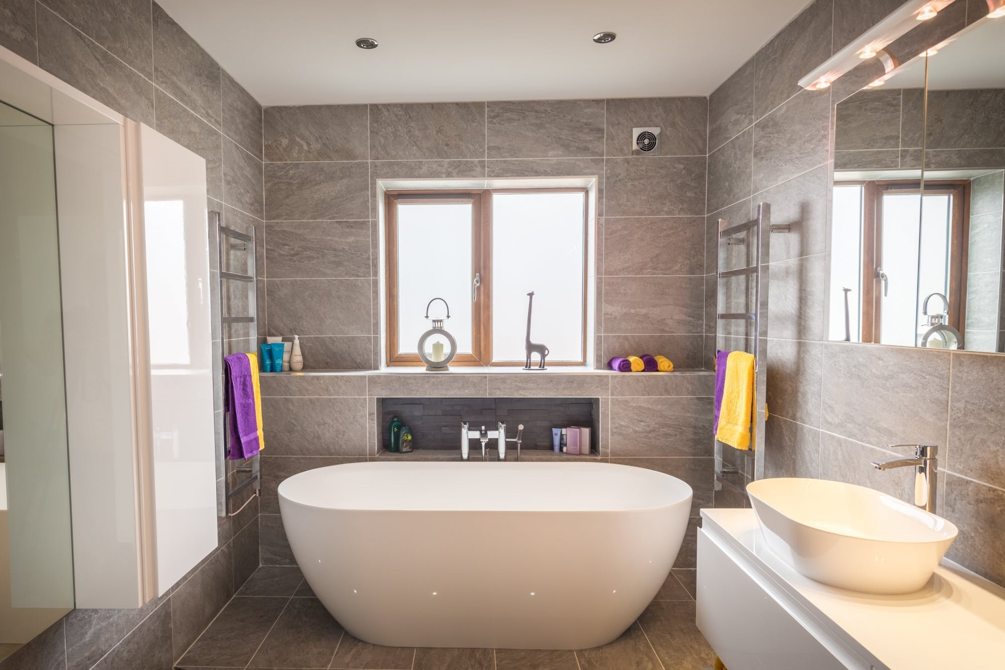 Choosing Bathroom Colour Guide