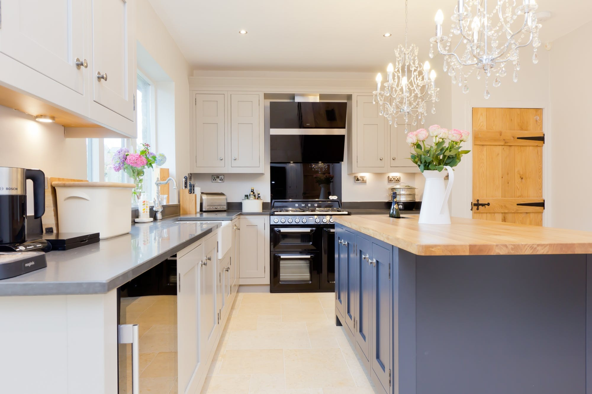 Traditional Kitchen in Huddersfield by Twenty 5 Design