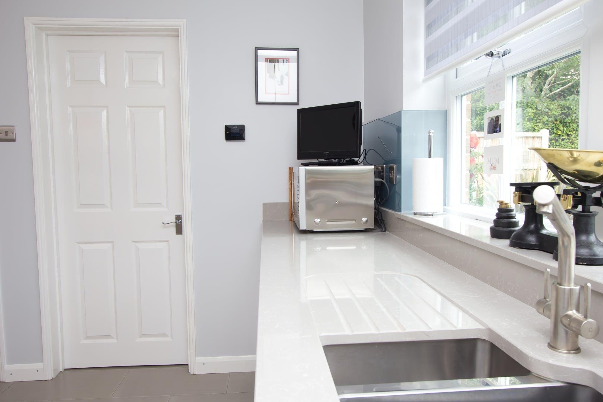 Contemporary Kitchen in Huddersfield by Twenty 5 Design