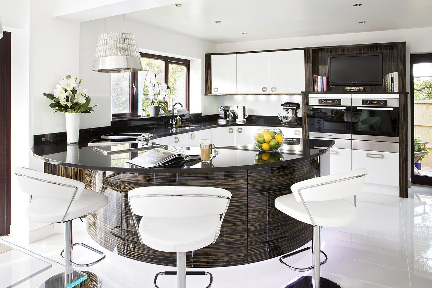 Contemporary Kitchen in Wakefield by Twenty 5 Design