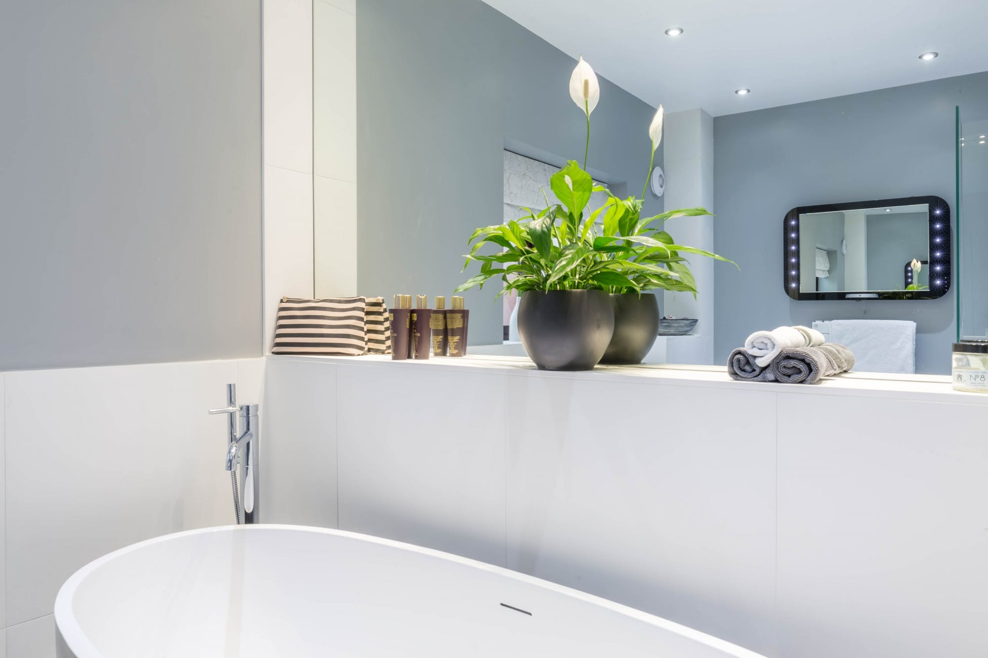 Contemporary Bathroom in Wakefield 5
