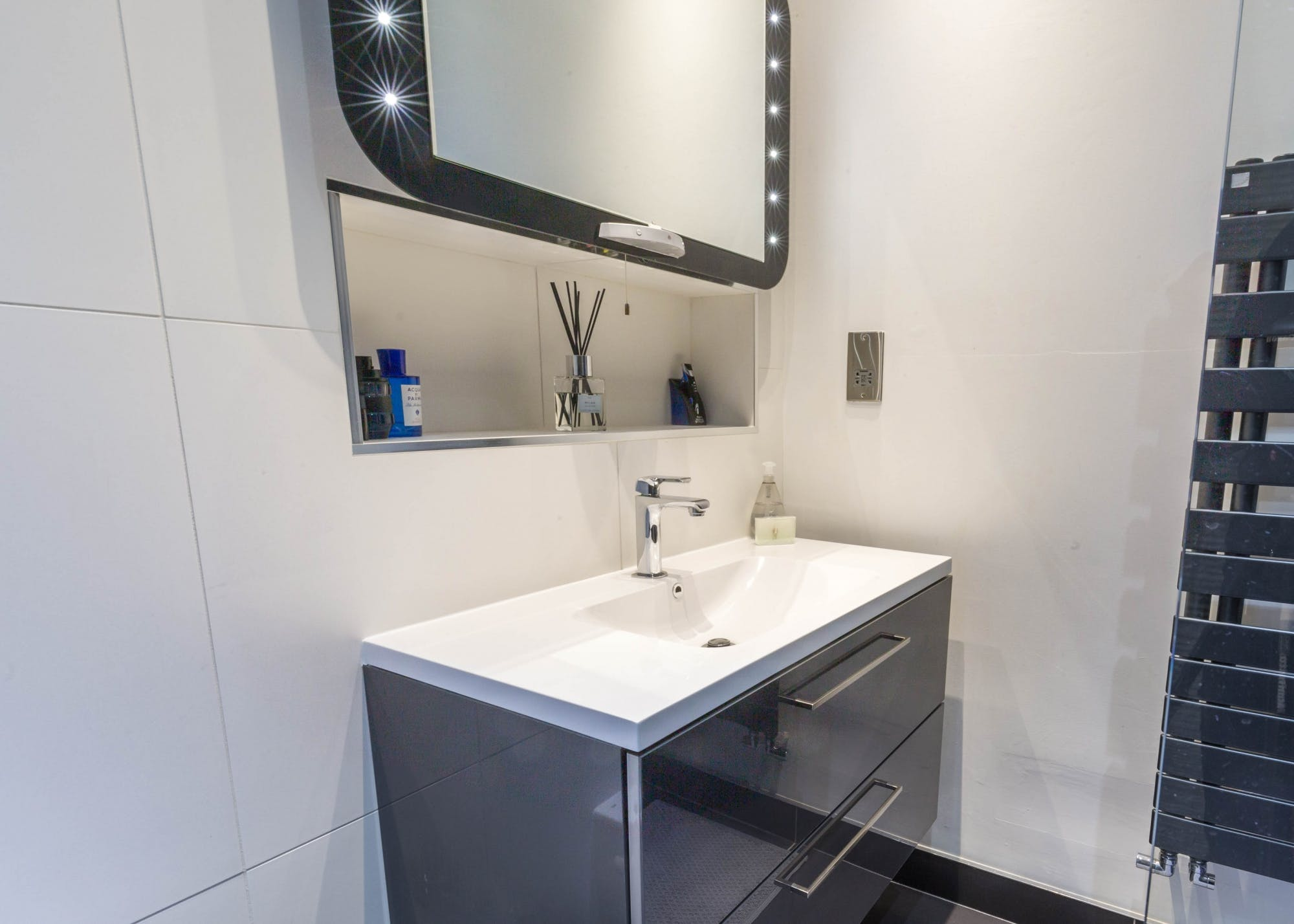 Modern Compact Bathroom 4
