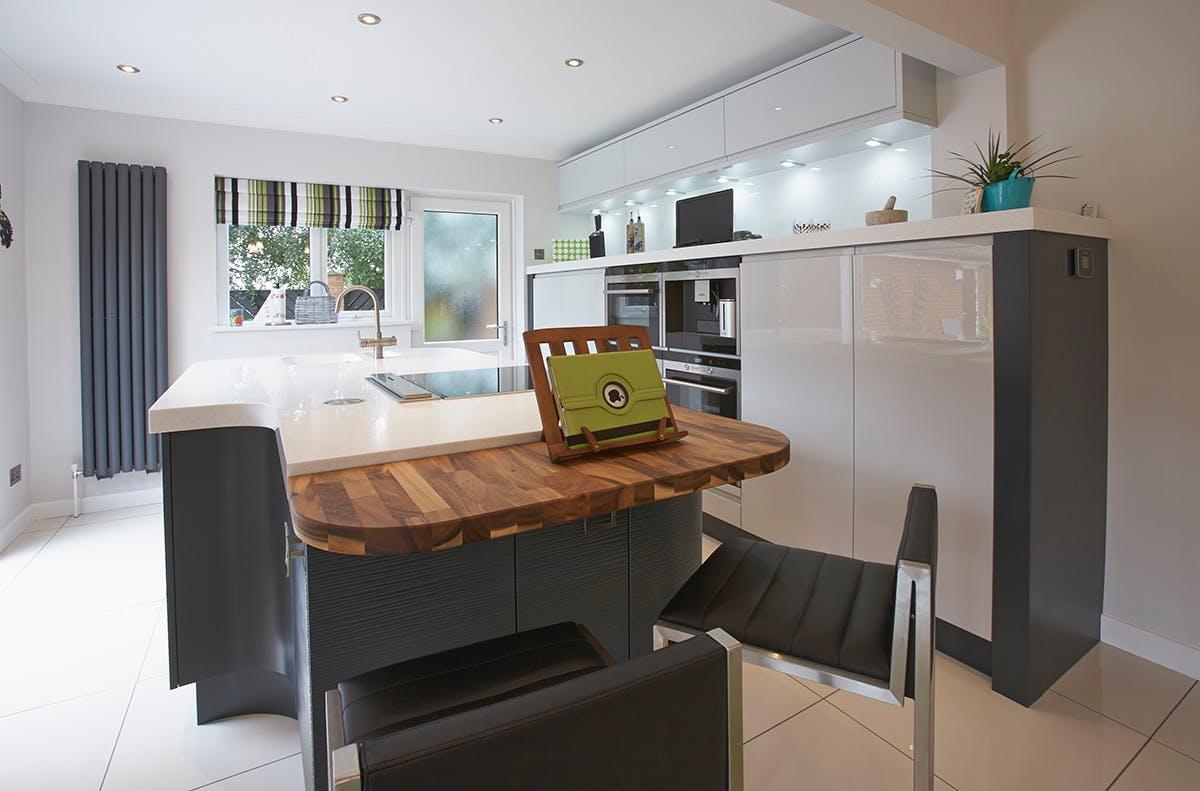 Modern Kitchen in Doncaster by Twenty 5 Design