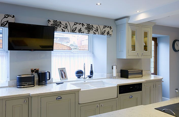 Classic Kitchen in Wakefield at Horbury by Twenty 5 Design